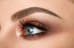 closeup of a womans eye